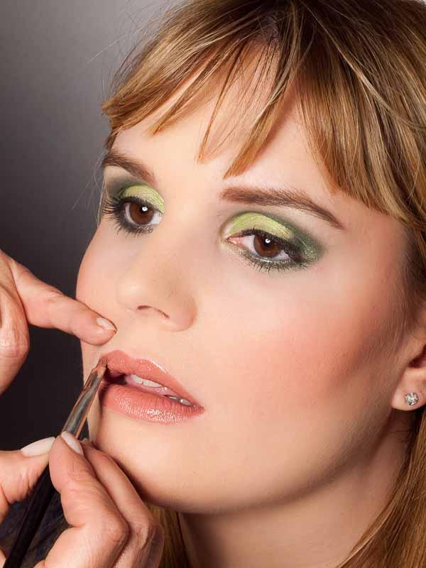 Grüner Lidschatten Look für alle Gelegenheiten - Lippen 2