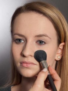 Aktueller Smokey Eyes Look  - Puder