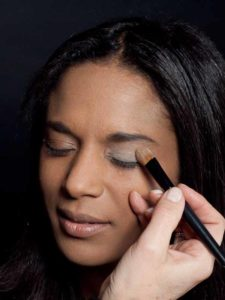 Motsi Mabuse Make up Look - Lidschatten base 1