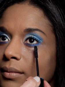 Motsi Mabuse Make up Look - Wimpern tuschen 2