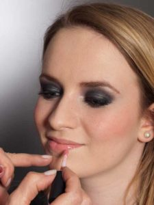 Aktueller Smokey Eyes Look - Lippen 1