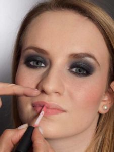 Aktueller Smokey Eyes Look  - Lippen 2