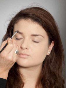 Adele Make up Look - Augenbrauen 2