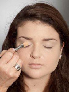Adele Make up Look - Lidschattenbase 2