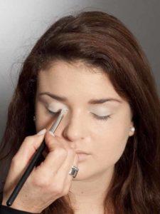 Adele Make up Look - Heller Lidschatten 2