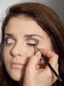 Adele Make up Look - Lidstrich 1