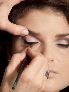 Adele Make up Look - Lidstrich 2