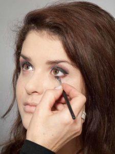 Adele Make up Look - Unterer Wimpernrand 1