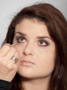 Adele Make up Look - Unterer Wimpernrand 2