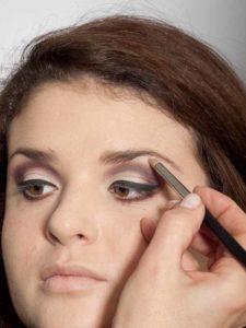 Adele Make up Look - Highlighter 1