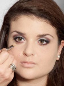 Adele Make up Look - Concealer 1