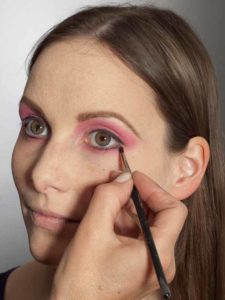 Pink Lady Make up Look – Lidstrich unteres Augenlid 2
