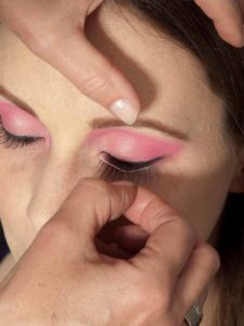 Pink Lady Make up Look – Künstliche Wimpern 1