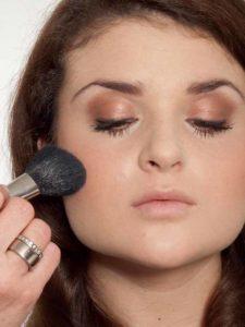 Make up für einen natürlichen Look - Rouge 2
