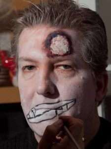 Zombie Maske mit Applikation schminken - Fratze 3