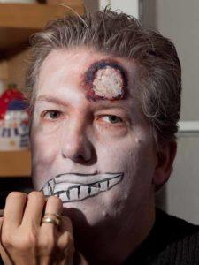 Zombie Maske mit Applikation schminken - Fratze 4