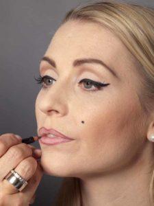 Marilyn Monroe Look - Lippenkontur 2