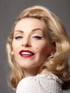 Marilyn Monroe Kleid Make Up Frisur Selber Machen