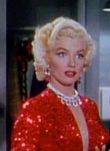 Marilyn Monroe Kleid Make Up Frisur Selber Machen
