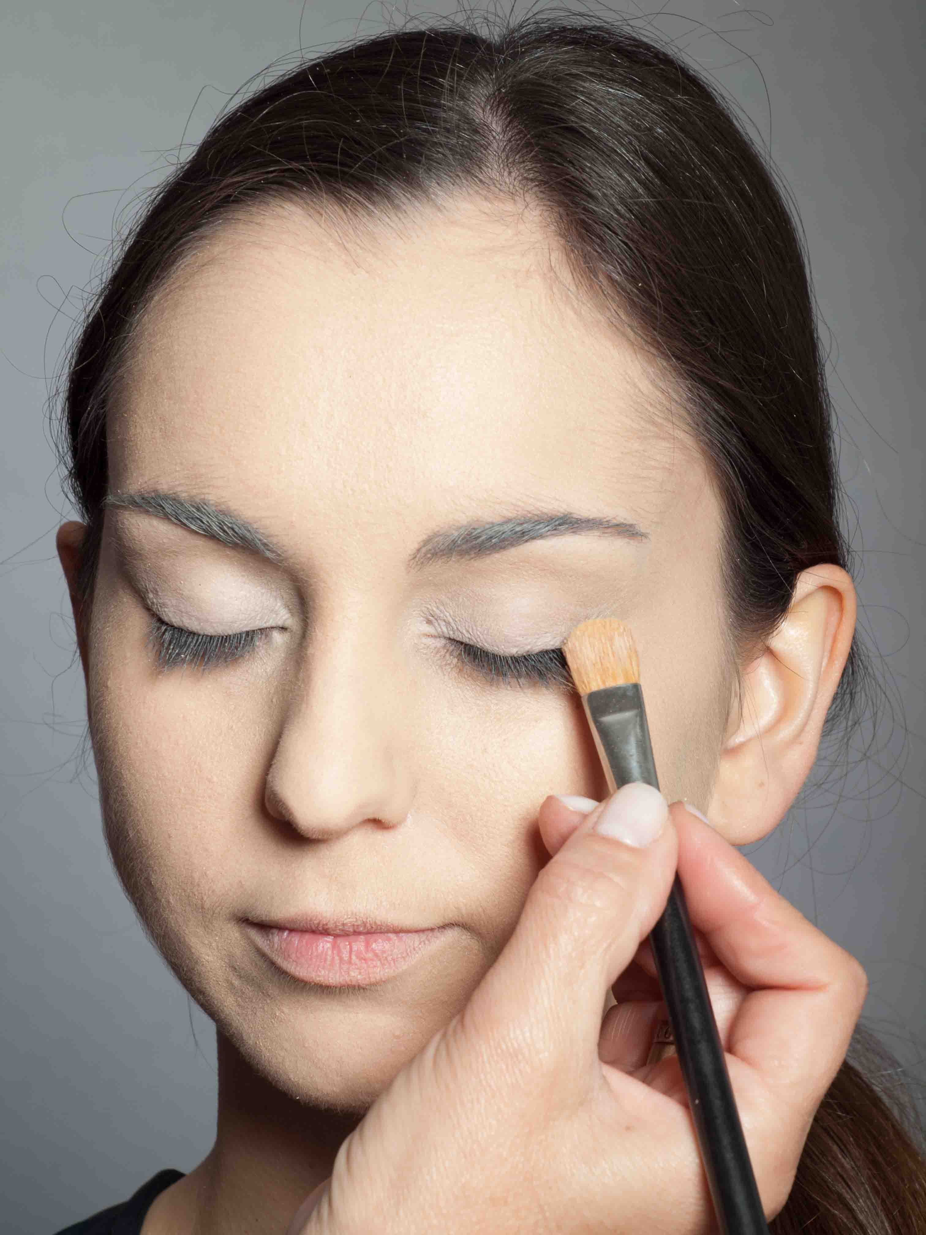 Metallic Look Augen Make up Base 2
