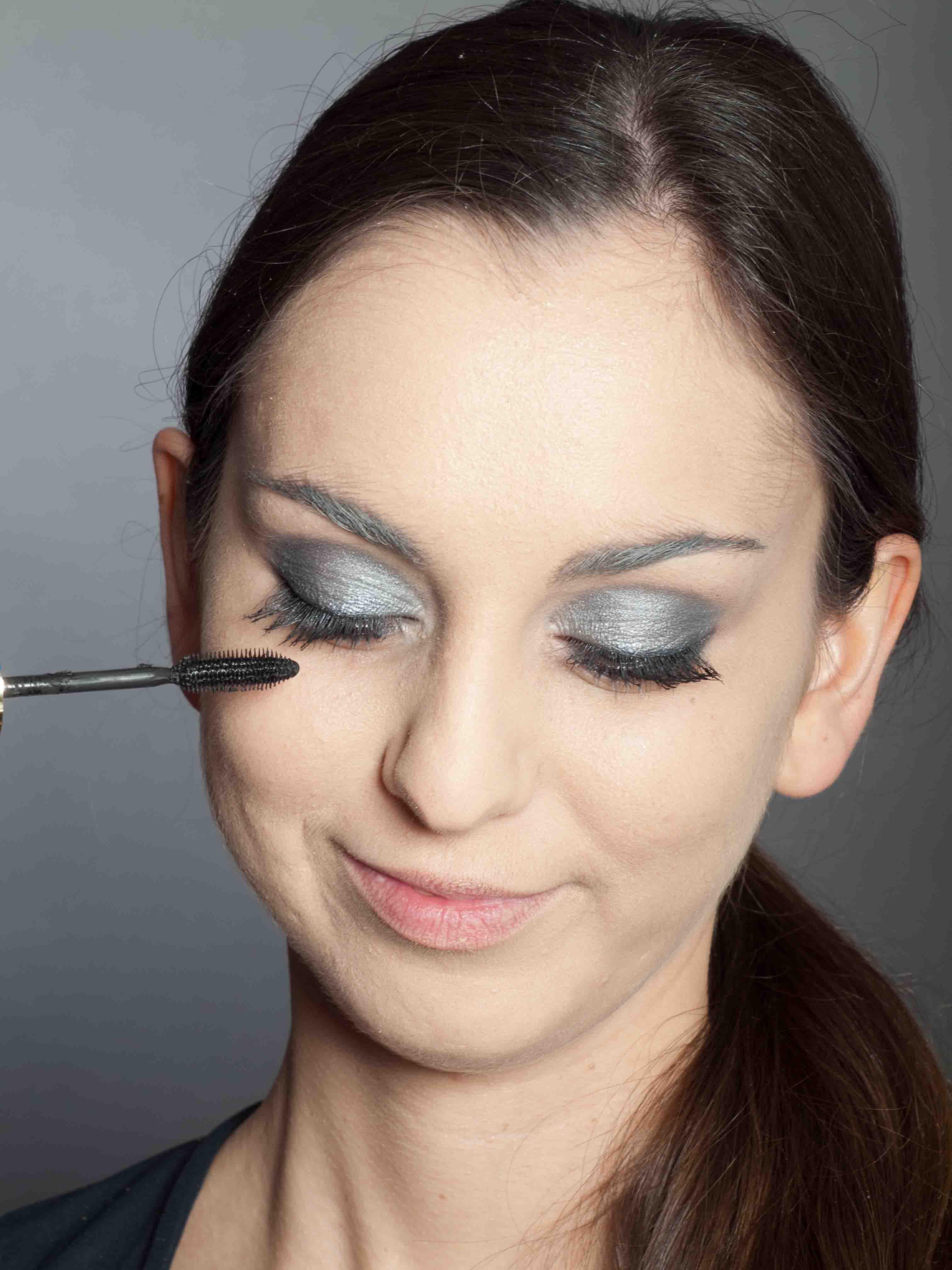 Metallic Look Augen Make up Wimpern schminken 2