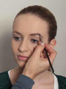 Nude Look, natürliches Make up - Augenbrauen 2