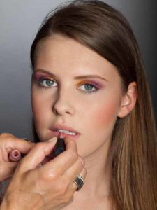 Colour Blocking Look - Lippen schminken 1