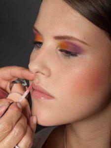 Colour Blocking Look - Lippen schminken 2