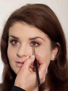Augenringe wegschminken