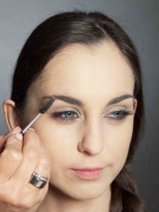 Bronzener Look - Augenbrauen 2