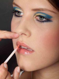 Farbiger Lidstrich für Mutige - Lippen schminken 1