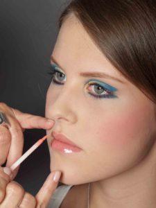 Farbiger Lidstrich für Mutige - Lippen schminken 2