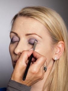 Daily Make up - Lidschatten auftragen 2