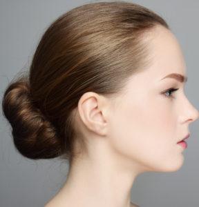Frisuren mittellang - Einfacher Haarknoten