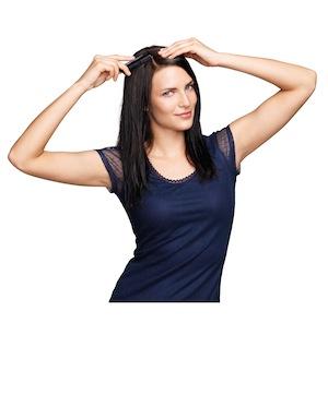 Frisur mit Innenrolle - Schritt 1
