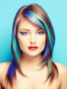 Haarkreide - Farbige Akzente in den Haarspitzen