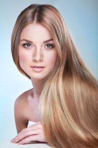 Glänzendes Haar durch Kieselsäure