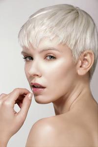 Weissblondes Haar