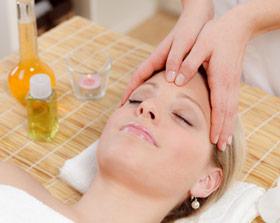 Rizinusöl Kopfmassage gegen Haarausfall