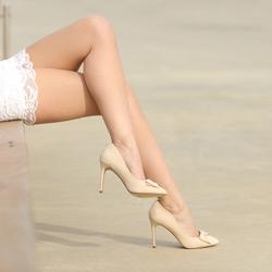 Haarlose glatte Beine
