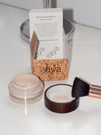 gaya-cosmetics-mineral-foundation