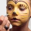 Kinderschminken Biene – Schminkanleitung & Kostüm selber machen