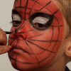 Spiderman schminken – Schminkanleitung & Kostüm
