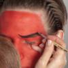 Teufel – die klassische Variante in rot schminken – Schminkanleitung & Kostüm