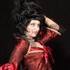 Videoanleitung zum Schminken eines weiblichen Vampir