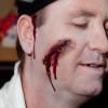 Fuer Halloween 2012 als Opfer schminken – Schminkanleitung