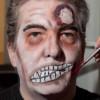 Zombie Maske mit Applikation schminken – Schminkanleitung